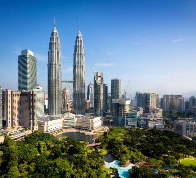 Malaysia_economy_Petronas_towers_Kuala_Lumpur